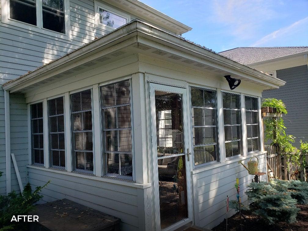 Vertical 4-Track Porch Windows