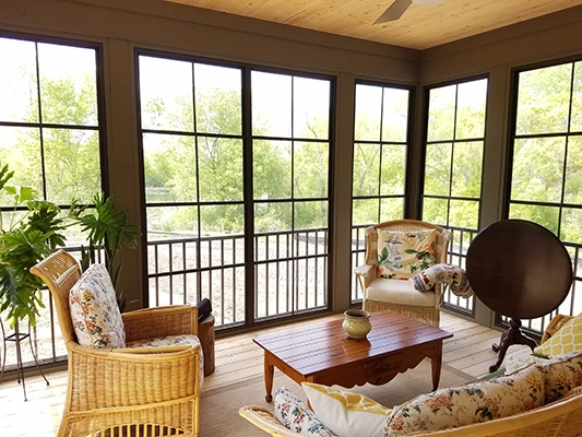 Sunspace traditional railing example